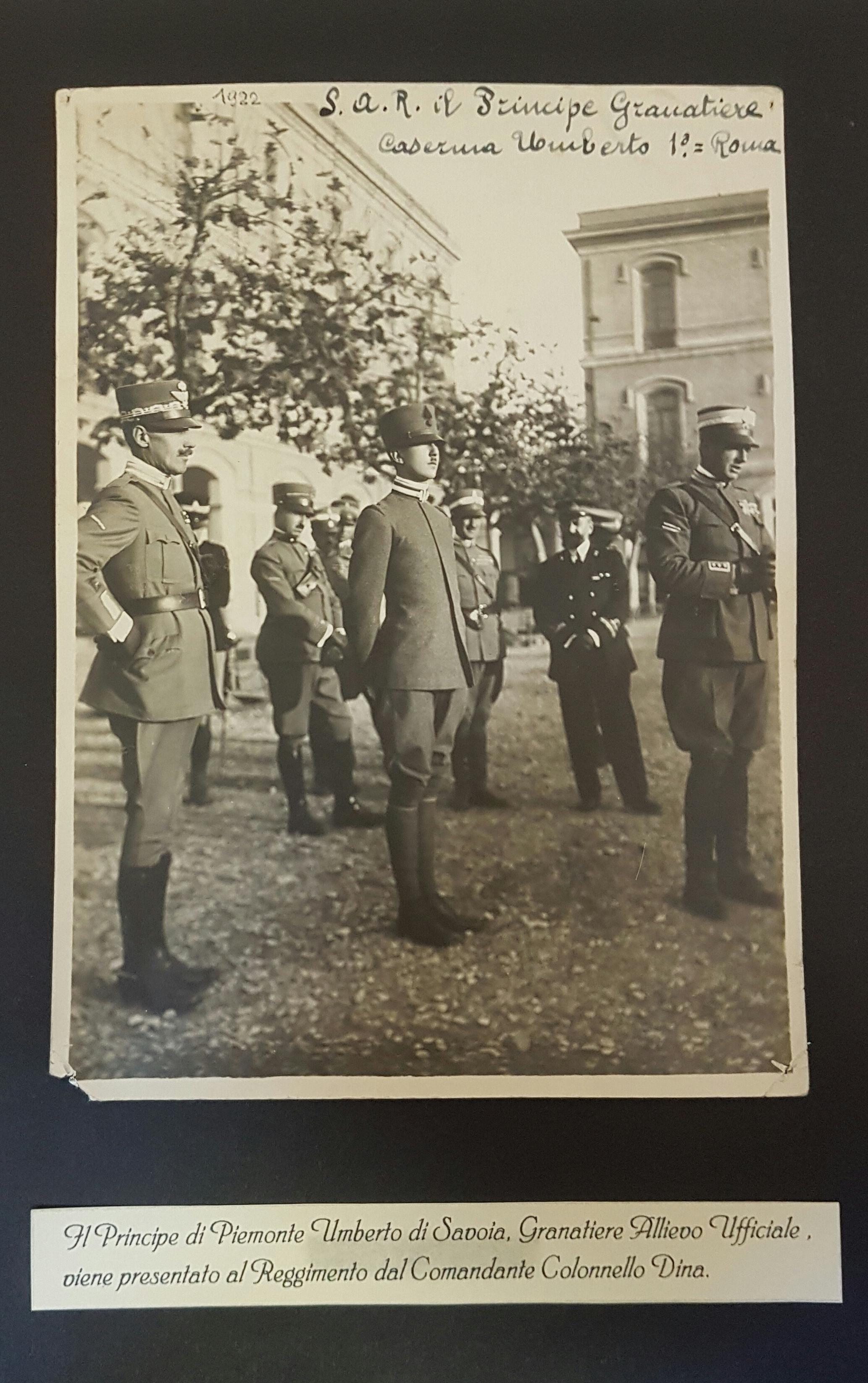 Il Principe di Piemonte Umberto di Savoia, allievo ufficiale, viene presentato al reggimento