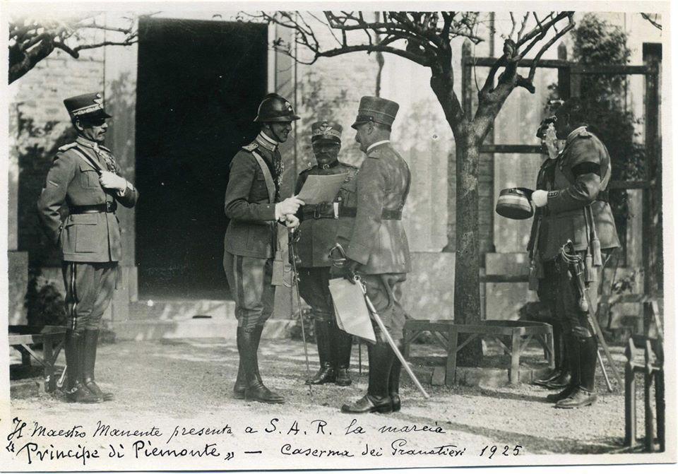 Il Maestro Manente presenta a S.A.R. la Marcia Principe di Piemonte